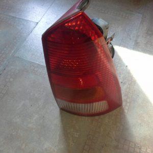 ford bontott lámpa